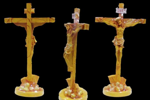 Jesus on Cross- Statue bl